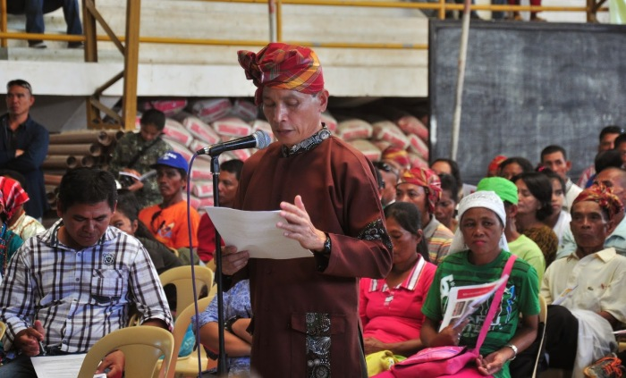 Timuay Santos Magay Unsad reads the position paper during the Congressional Public Hearing on the Bangsamoro Basic Law in Nuro Municipal Gymnasium, Nuro, Upi, Maguindanao on October 22, 2014. Photo from Tri=People Journal Online